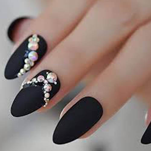 pose de strass ongle allauch